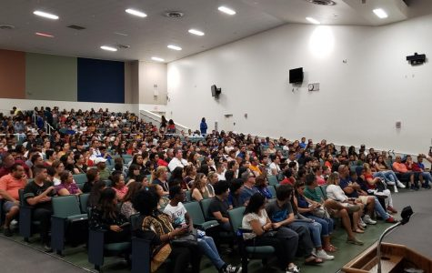 South Dade High opens its doors to largest new student orientation ever